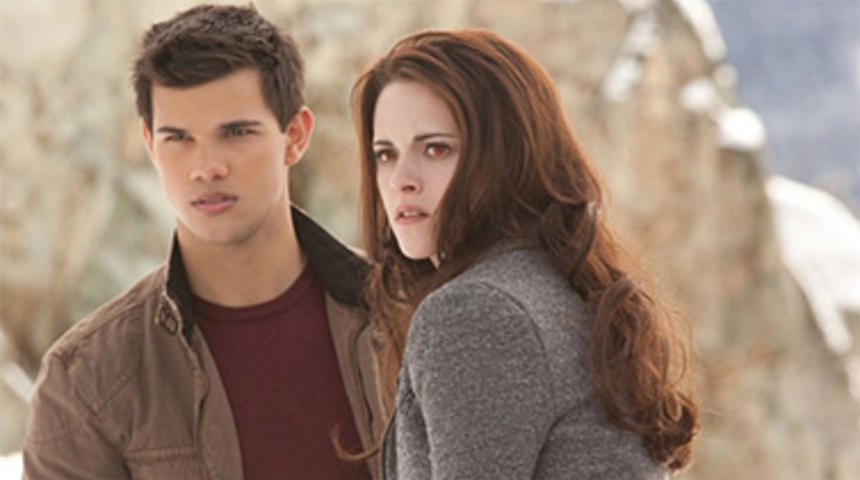 Box-office nord-américain : The Twilight Saga: Breaking Dawn Part 2 demeure premier