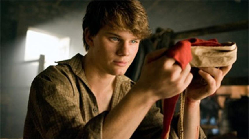 Jeremy Irvine dans la suite de The Woman In Black