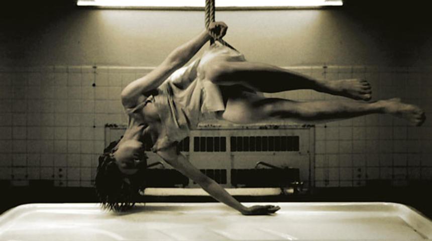 Prends ça court! 2009 : Danse macabre grand gagnant