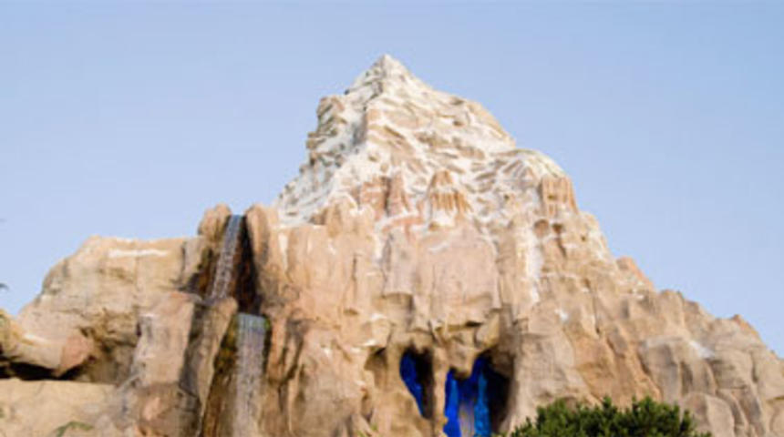 Le manège Matterhorn adapté au grand écran