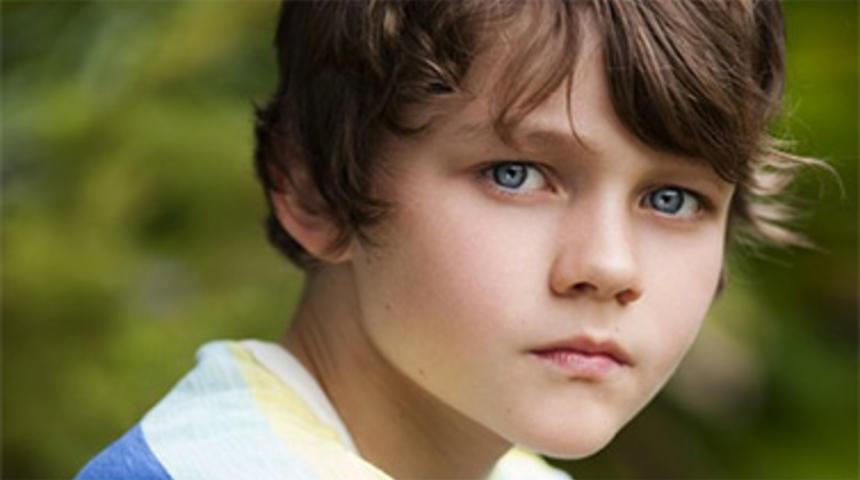 Warner choisit Levi Miller pour jouer le protagoniste de Pan