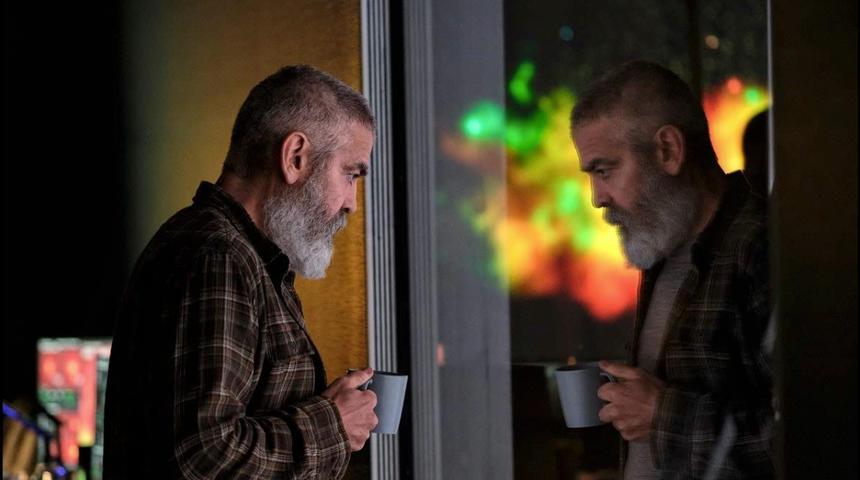 Bande-annonce : George Clooney devant et derrière la caméra pour The Midnight Sky