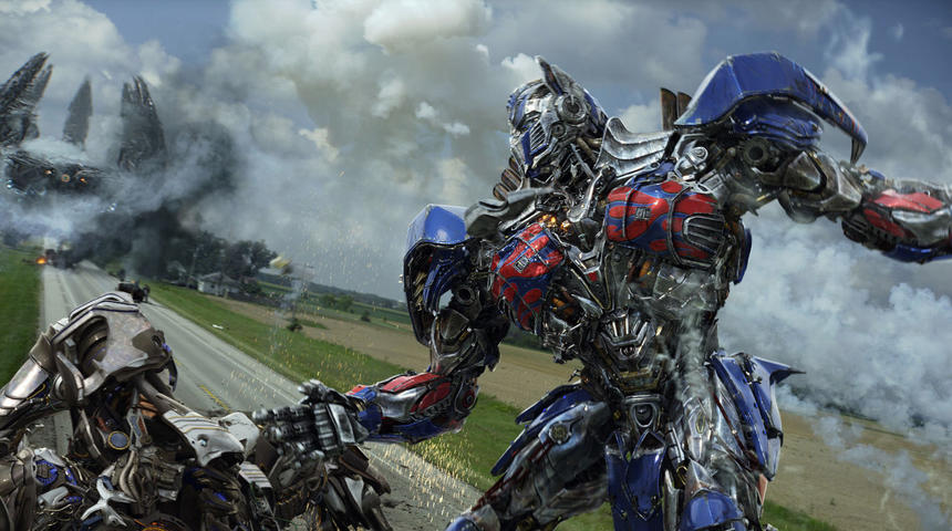 Un regroupement de scénaristes est formé afin d'étendre la franchise Transformers