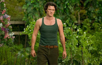 Luke Evans sera le protagoniste de The Crow