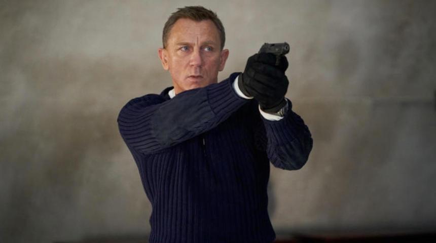 La sortie de James Bond repoussée à novembre