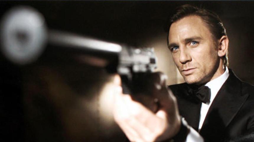 James Bond trouve un distributeur
