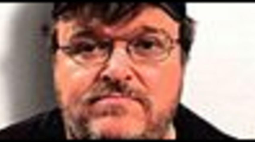 Deux affiches pour Sicko de Michael Moore