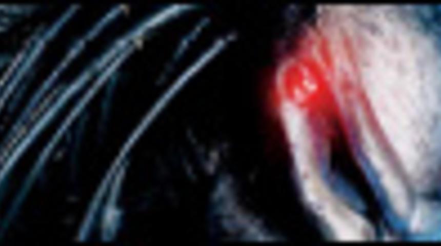 Affiche en français de Aliens vs Prédateur : Requiem