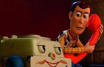 Box-office nord-américain : Toy Story 3 conserve la première place